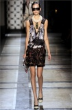 dries-van-noten.1.00200h-2009.10.04.19.58.38.1795439_base