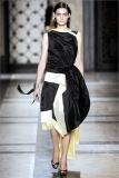 dries-van-noten.1.00500h-2009.10.04.20.31.22.1062691_base