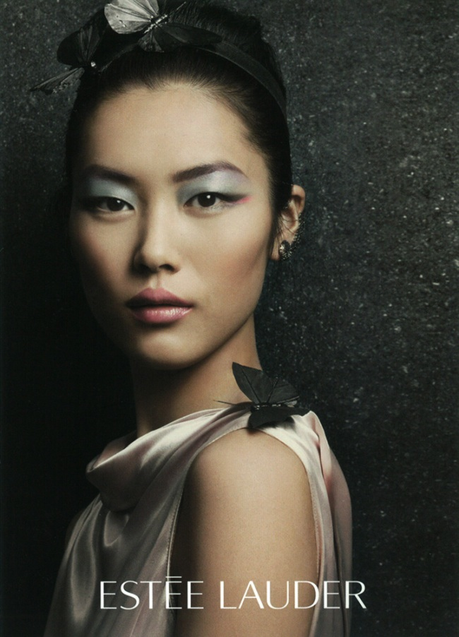 liu wen is the first chinese female model to sign a cosmetic contract with ...